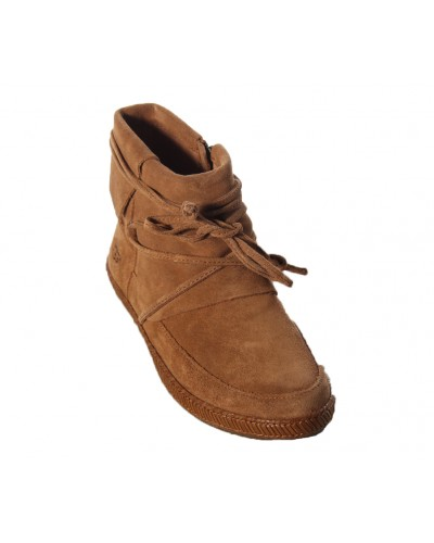 Reid in Chestnut by UGG
