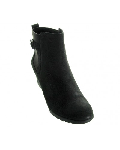 Indra in Black by UGG