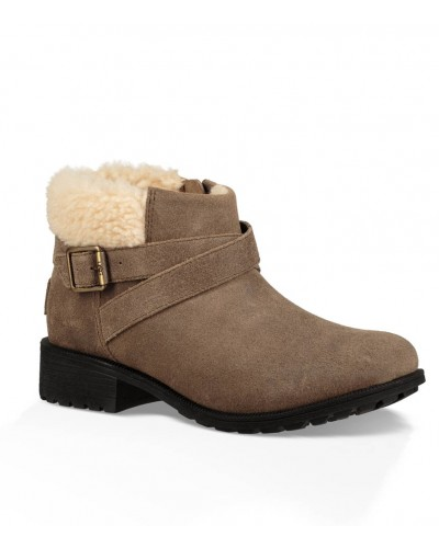 Benson Boot in Dove by UGG